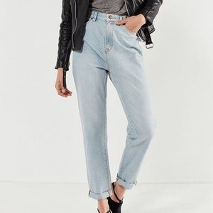 Urban Outfitters Mom Jeans: Spruce, size 32